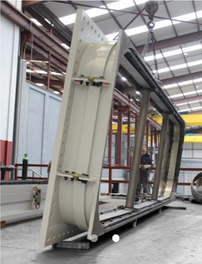 Компенсаторы типа «собака-кость» для электростанции Marlim Azul в Бразилии.jpg