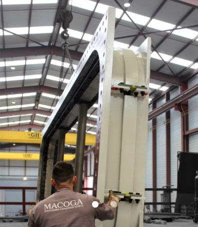 Компенсаторы типа «собака-кость» для электростанции Marlim Azul в Бразилии2.jpg